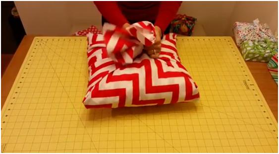 Как сшить подушку без швов 16