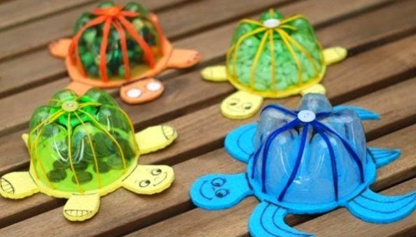 черепаха из пластиковой бутылки