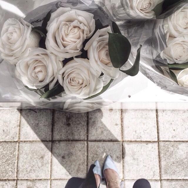 цветы женщина туфли